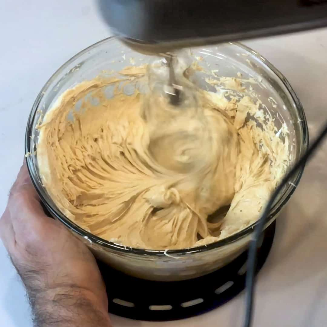Blend the mixer until smooth and creamy.