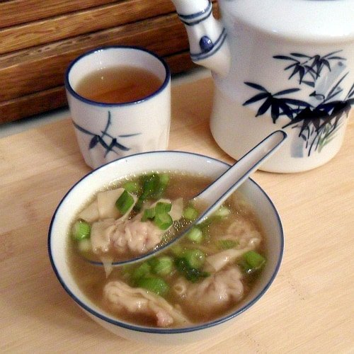 An easy recipe of wonton soup, made with frozen wontons and a deep, rich broth of soy sauce, star anise, cinnamon, ginger and garlic.