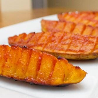 Crispy potato wedge appetizer that sliced like hasselback.