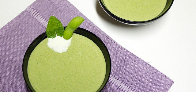 Edamame and Spinach Cream Soup