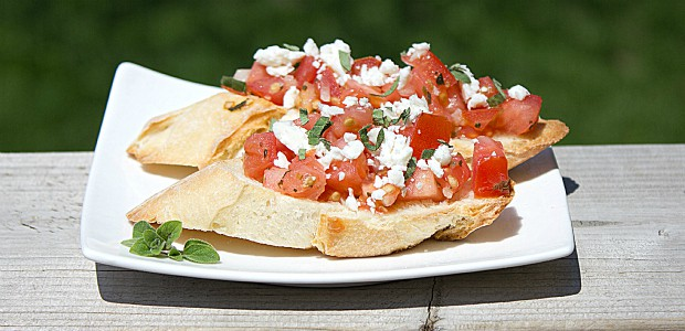 Classic Tomato and Feta Bruschetta Bread