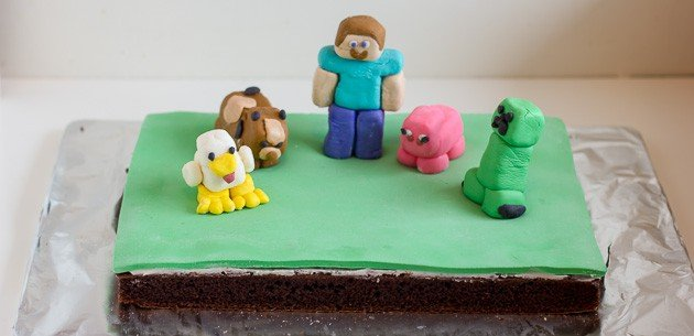 Minecraft Cake With Marshmallow Fondant Figures With Creeper