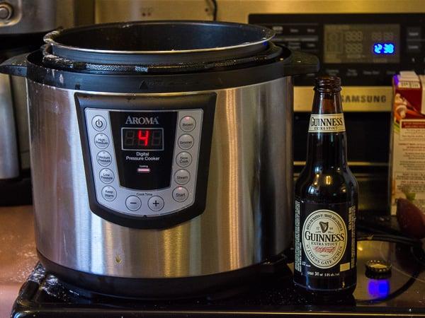 Aroma Pressure Cooker-4