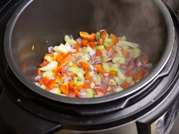 Aroma Pressure Cooker-8