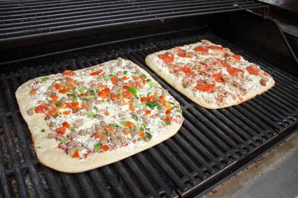 Delissio Pizza on the Gas Grill-4