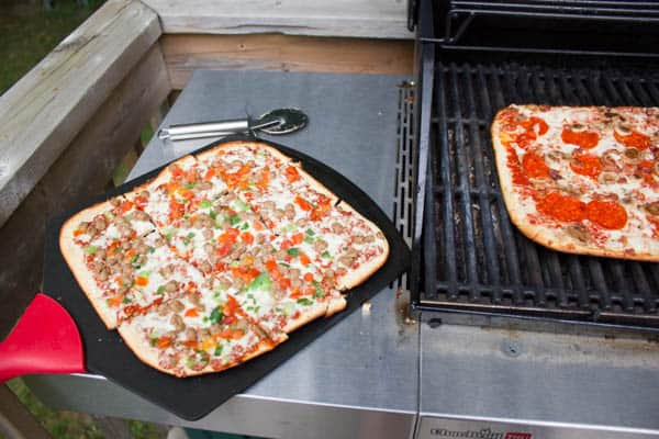 Delissio Pizza on the Gas Grill-7