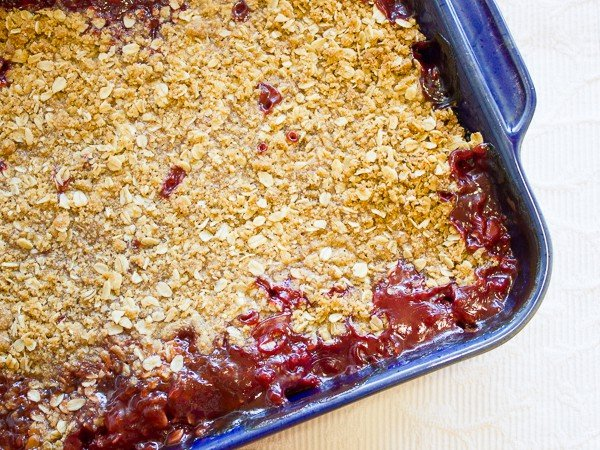 Strawberry Rhubarb Crumble Crisp