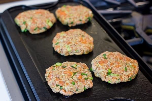 How to make salmon burgers Recipe