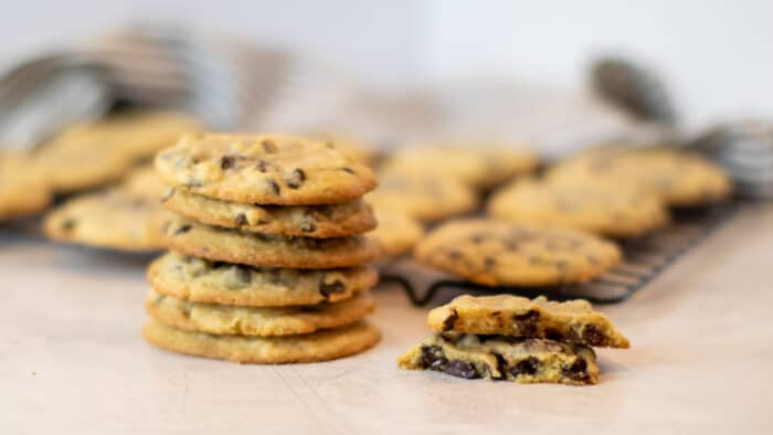 A wide picture of a stack of cookies.